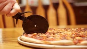La-forma--más-justa-para-cortar-pizza-1920
