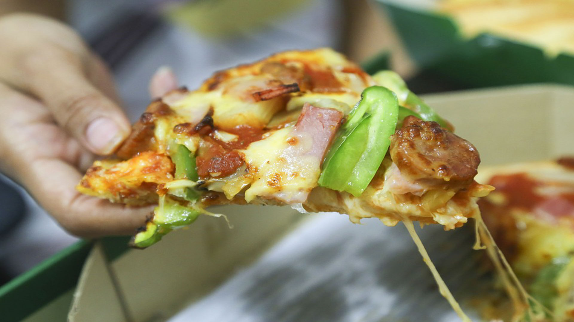 Los-beneficios-de-comer-pizza-1920
