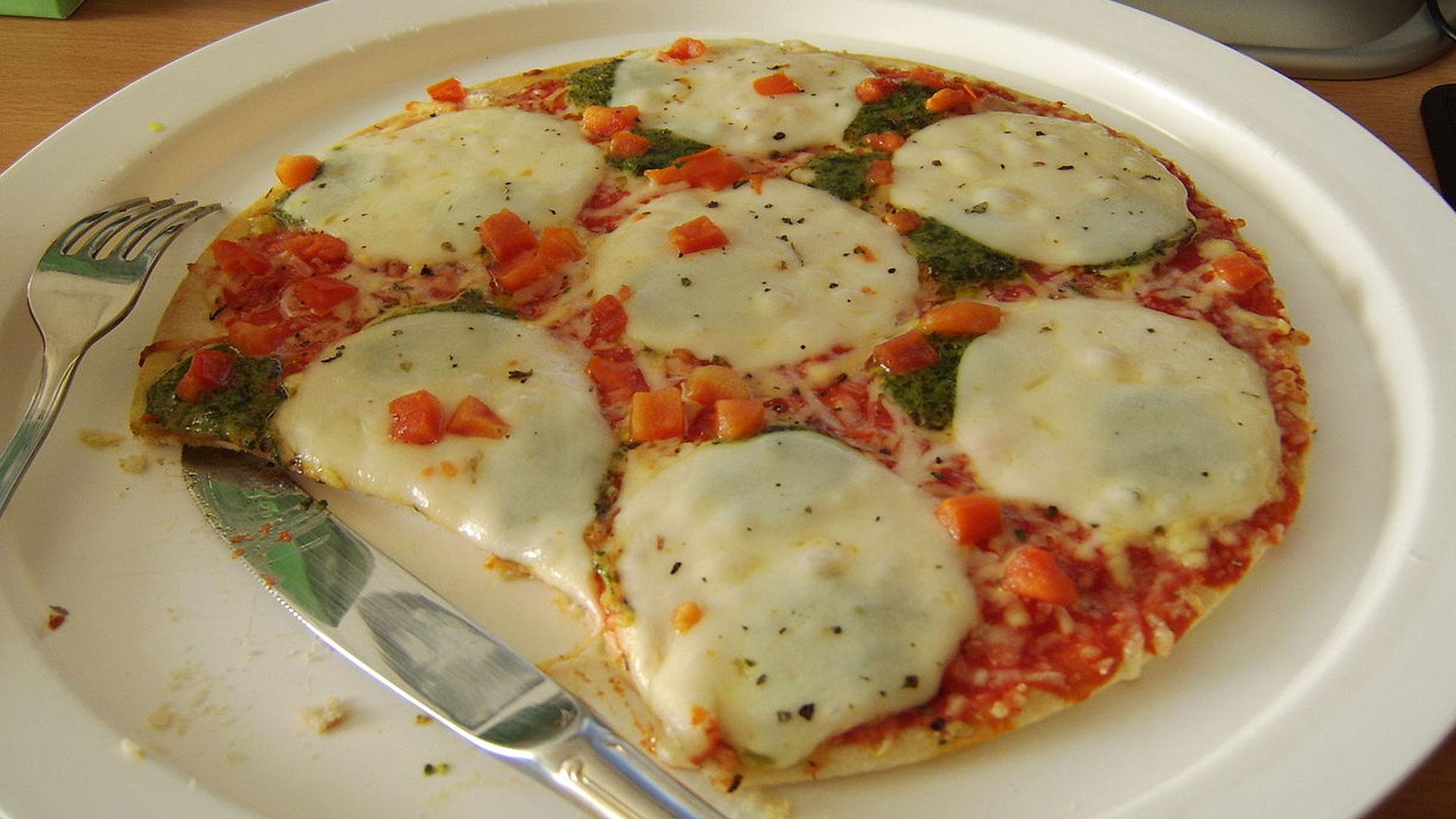 Mozzarella,-el-mejor-queso-para-pizza-1920