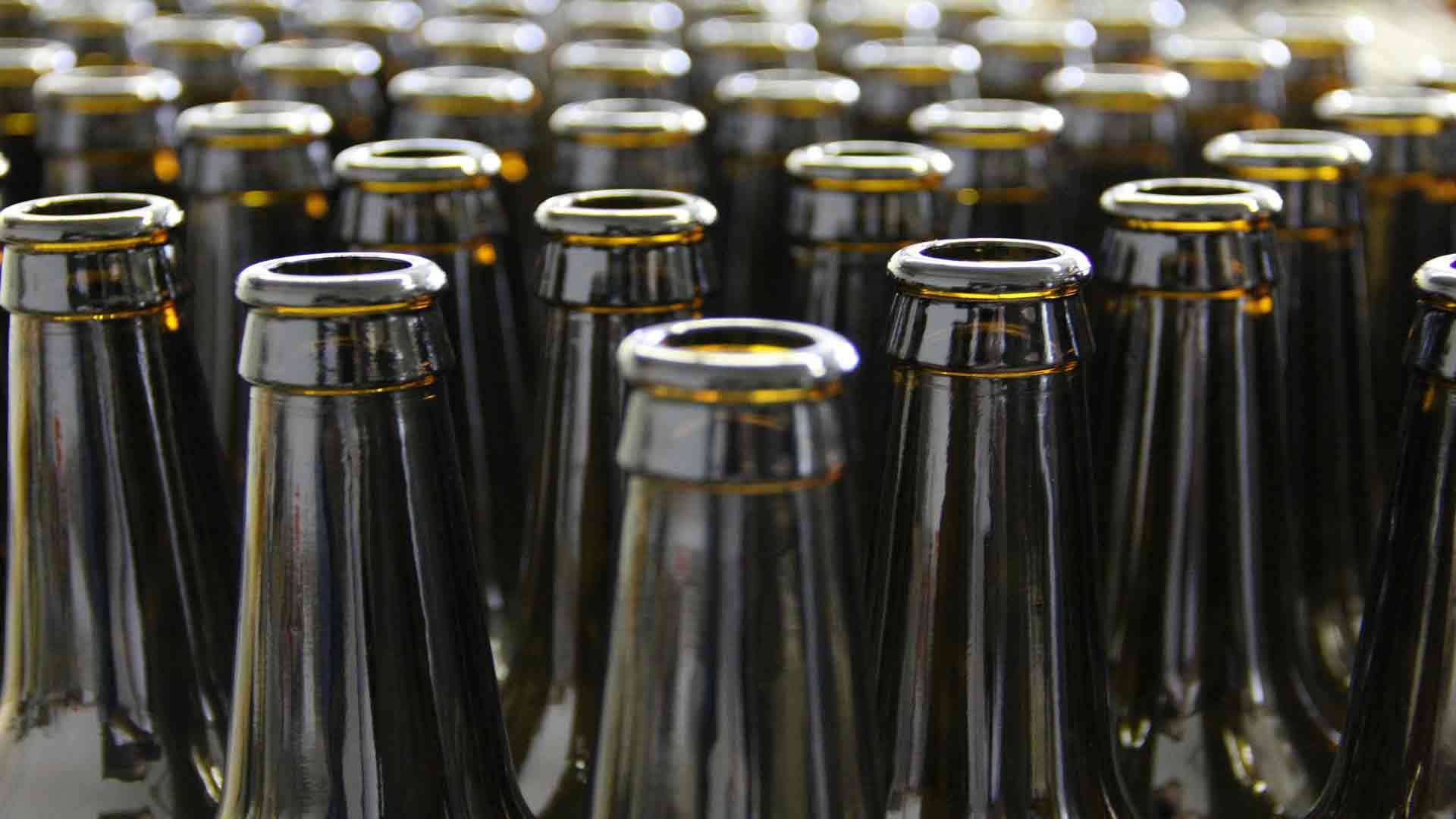 5-ideas-para-reciclar-las-botellas-de-cerveza-1920