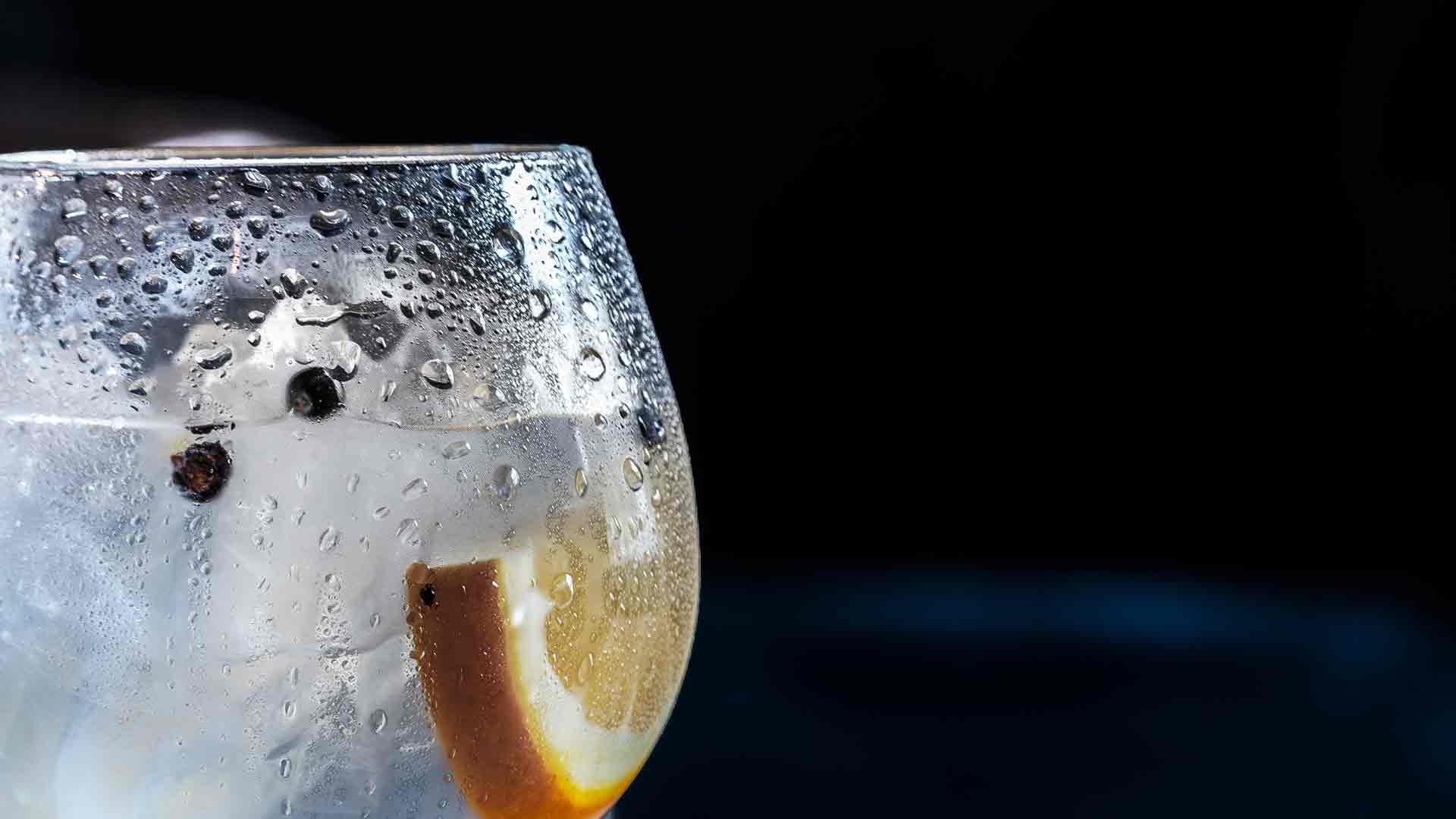 5-aspectos-curiosos-sobre-el-alcohol-1920