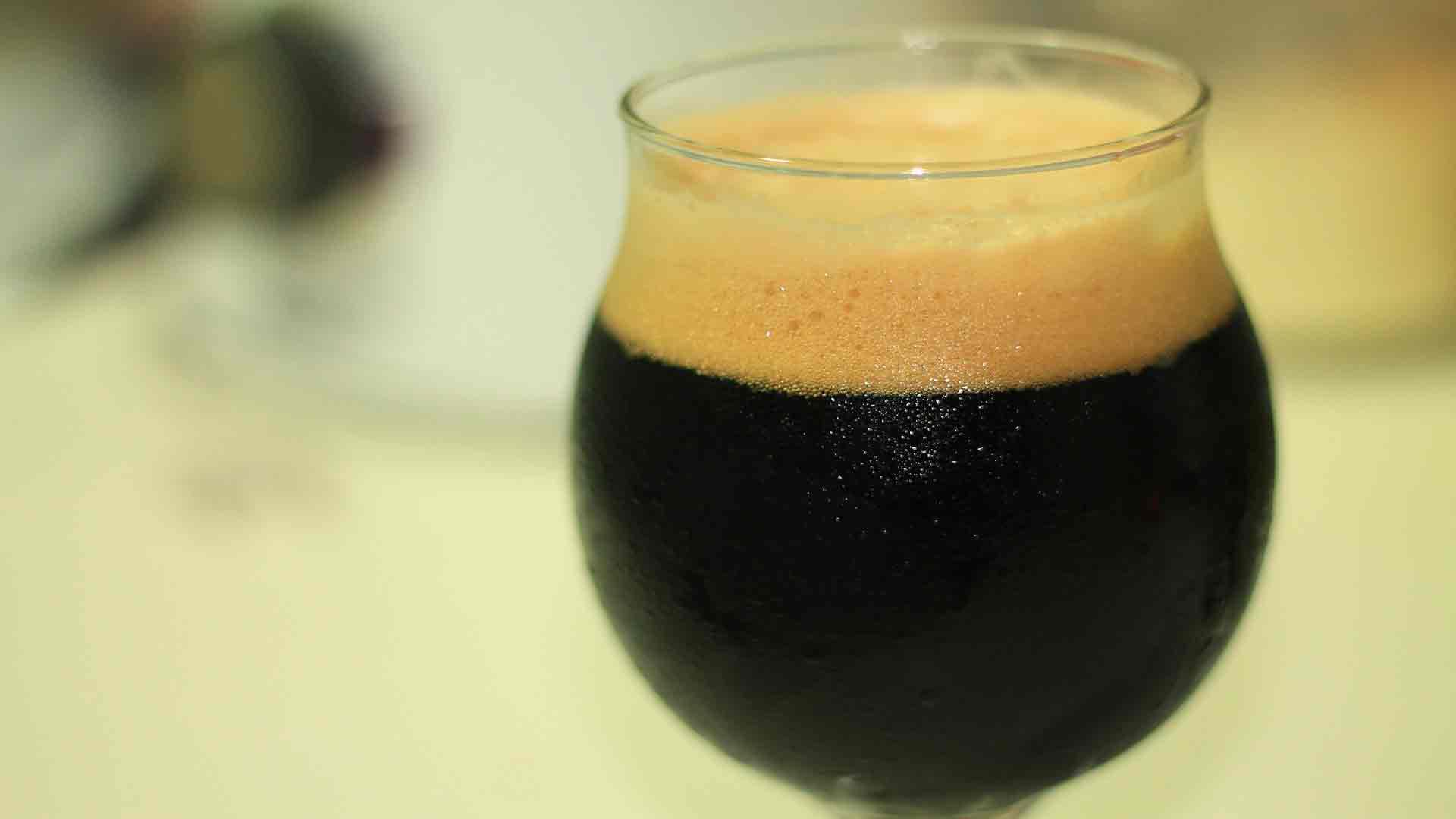 Te-gusta-la-cerveza-negra-1920