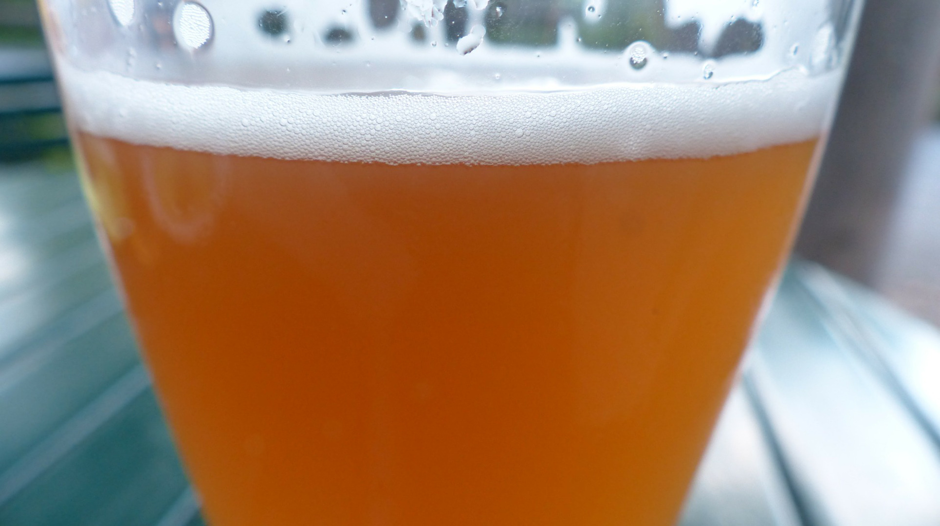 un-estudio-sostiene-que-la-cerveza-calma-mejor-el-dolor-que-un-analgesico- 1920