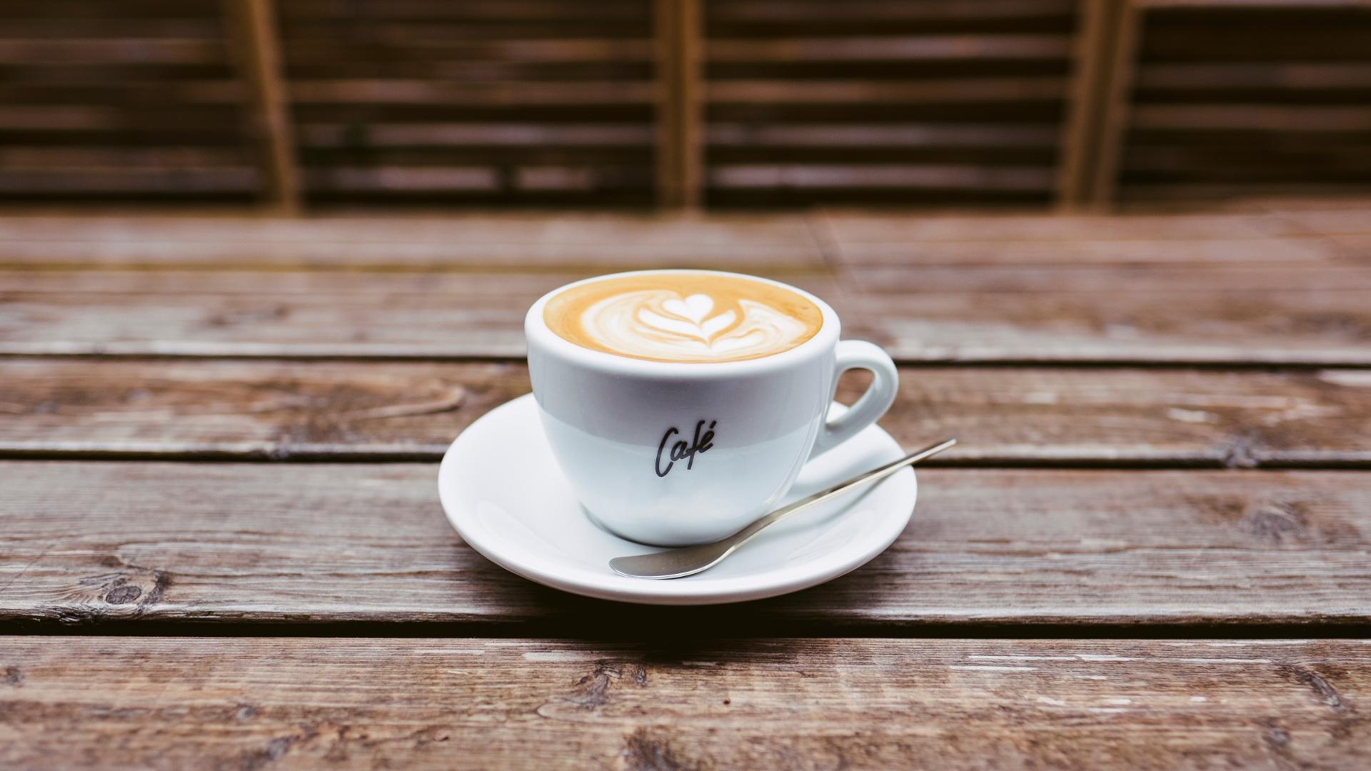 un-estudio-defiende-que-tres-tazas-de-cafe-al-dia-reducen-la-mortalidad-prematura-1920