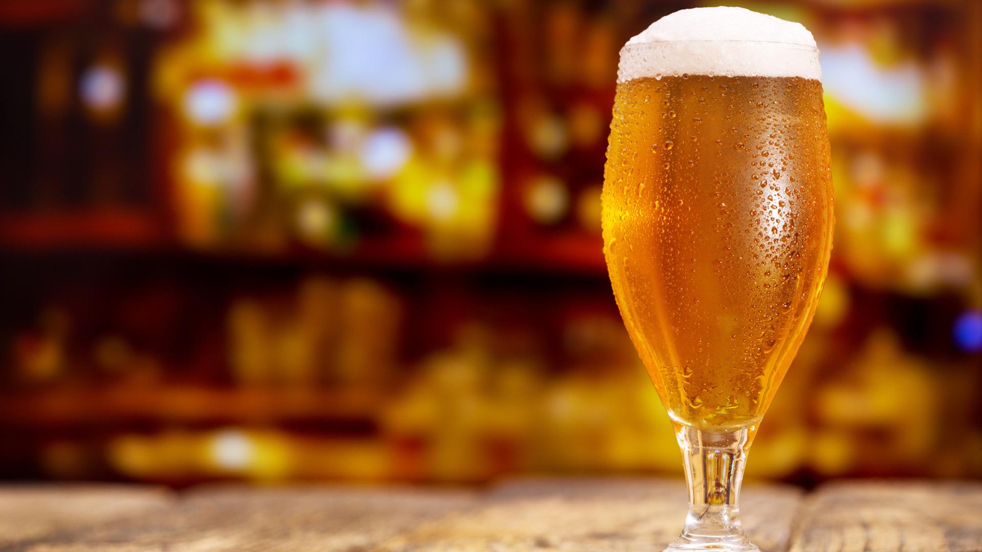 beber-cervez-de-forma-regular-y-moderada-para-prevenir-el-envejecimiento-1920