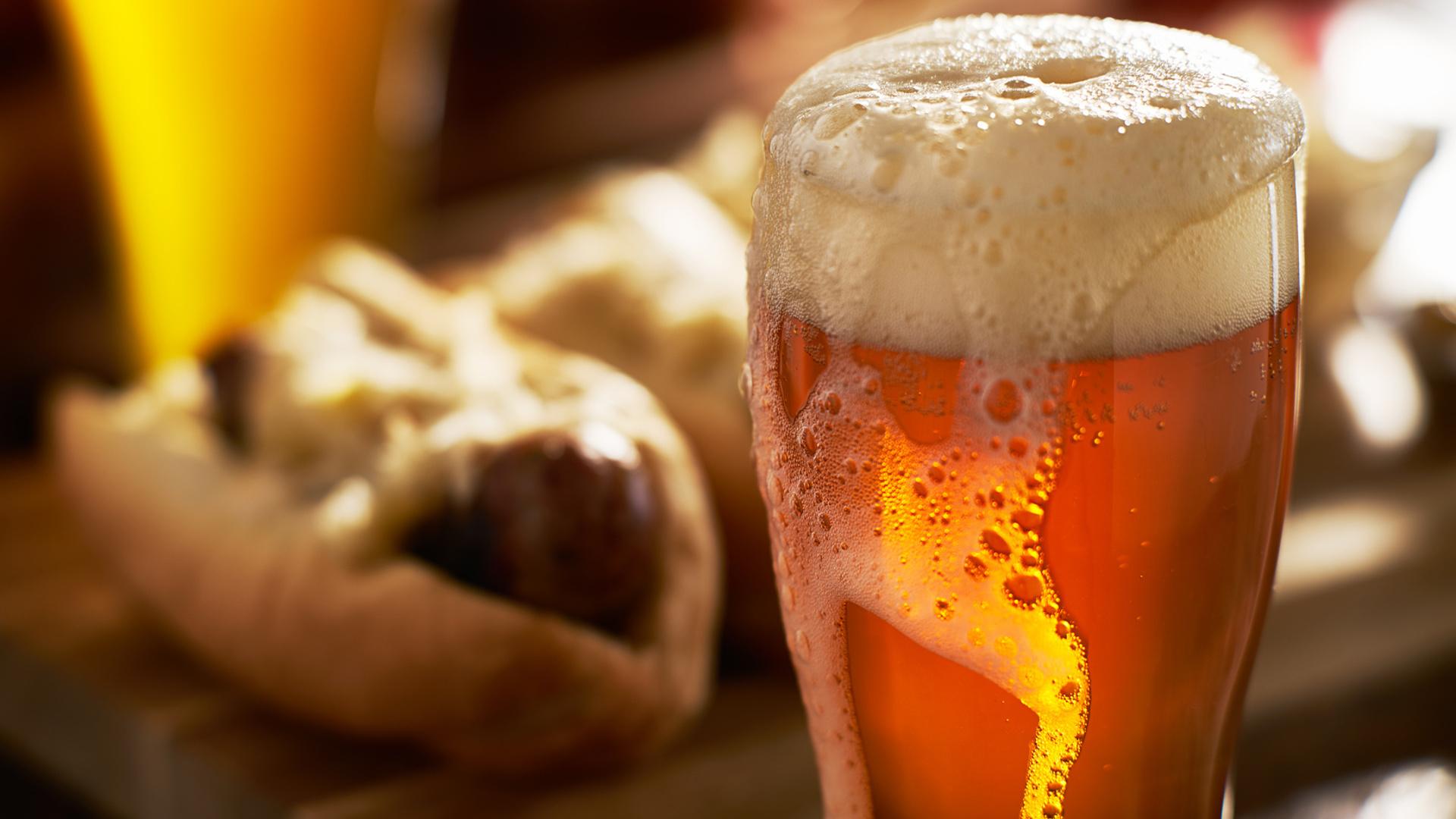 por-que-tomar-una-cerveza-al-dia-1920