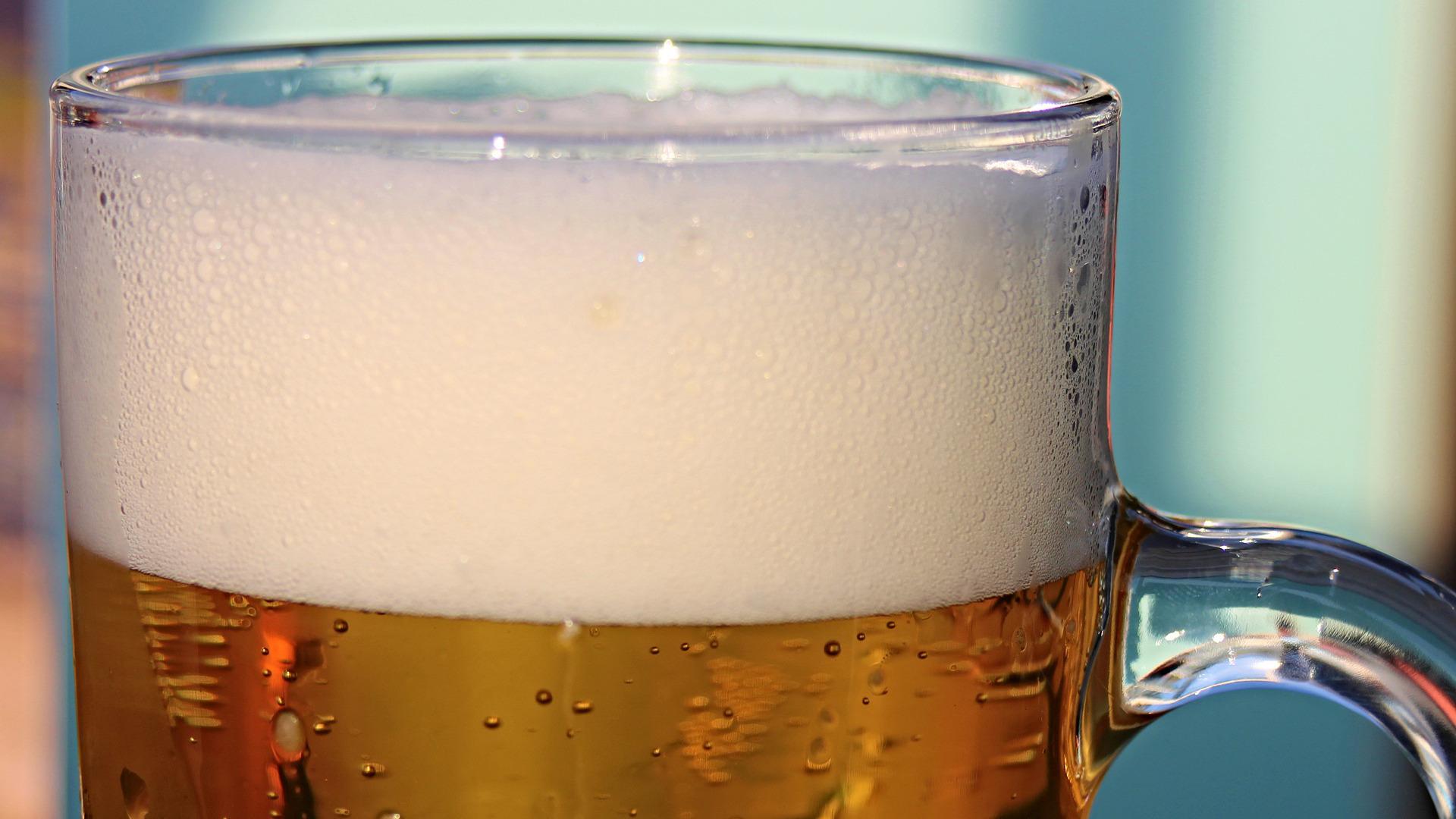 la-cerveza-aliada-para-la-salud-si-se-bebe-con-mesura-1920